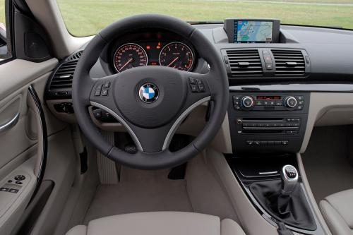 BMW 1 Series E82 135i Coupe (2007) - picture 8 of 12