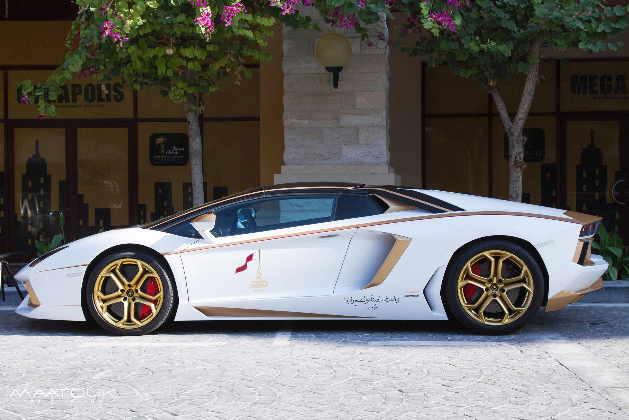Lamborghini Aventador Roadster Golden Limited Edition Встретиться Ламборгини Авентадор родстер Золотой ограниченное издание [видео] - фотография №2