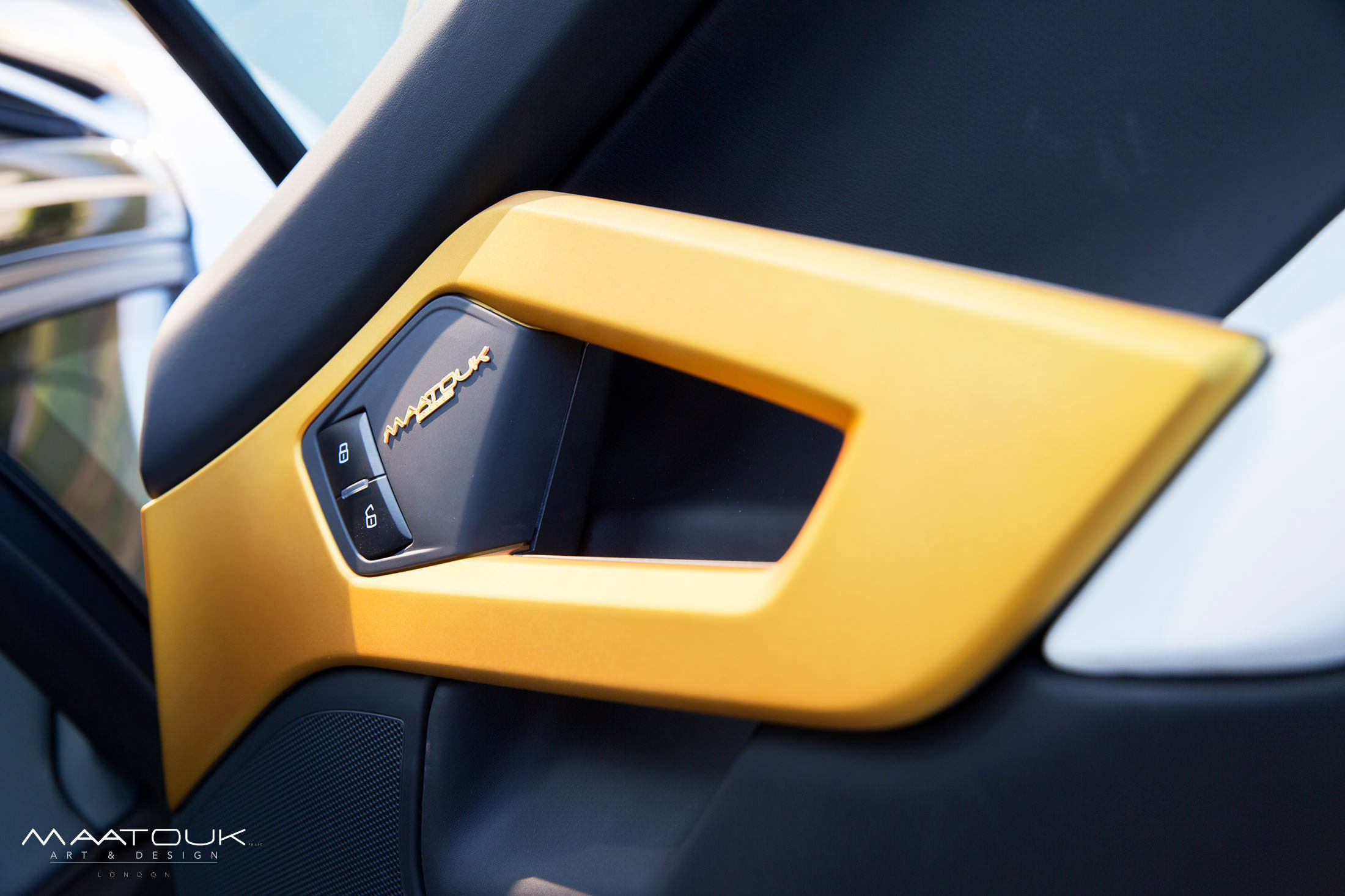 Lamborghini Aventador Roadster Golden Limited Edition Встретиться Ламборгини Авентадор родстер Золотой ограниченное издание [видео] - фотография №14