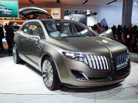 https://cdn2.automobilesreview.com/img/lincoln-mkt-concept-detroit-2008/thumbs/thumbs_lincoln-mkt-concept-detroit-2008-03.jpg