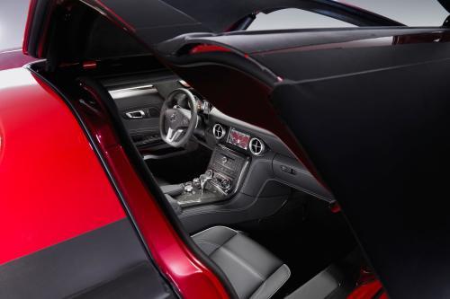 Mercedes-Benz SLS AMG Interior (2010) - picture 8 of 9